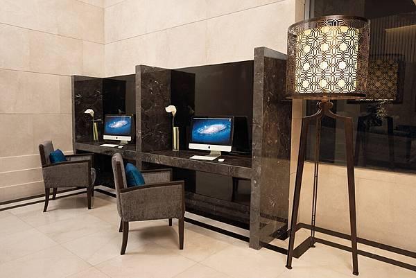 7.Lobby Internet Corner