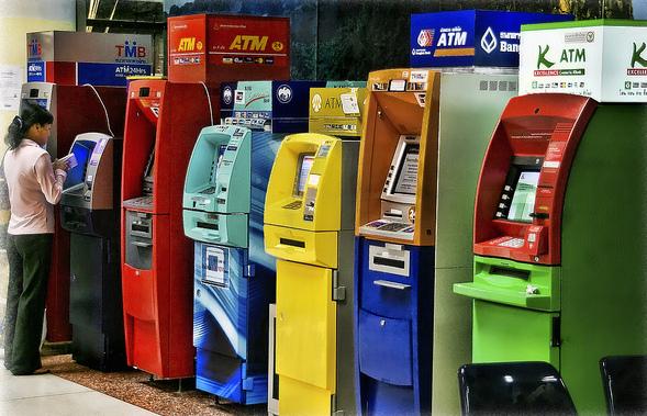atm1-machines-bangkok-tim-moffatt