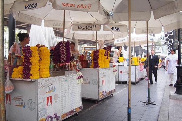 賣香及供品的街道2