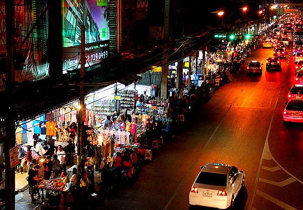 Ramkhamhaeng夜市1