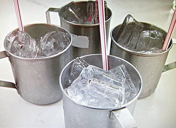 17喝啤酒是都會加冰塊1