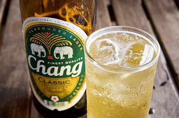 17喝啤酒是都會加冰塊