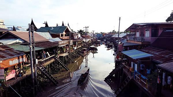 安帕哇水上市場4.JPG