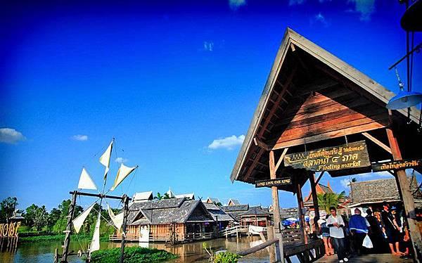 Pattaya-Floating-Markets-3.jpg