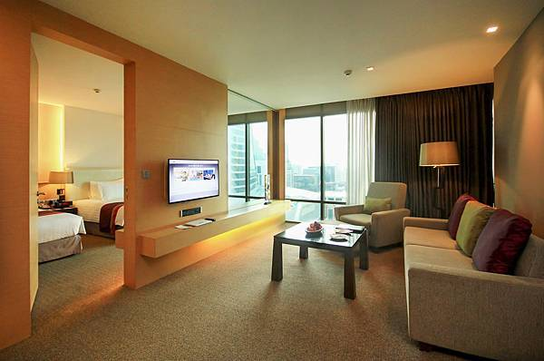 2. Grand Regal Suite - Living room