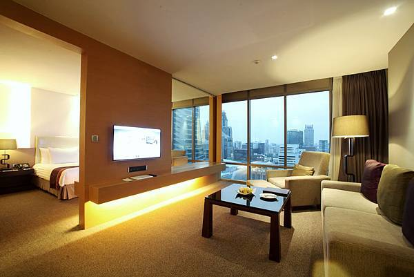 2. Regal Suite - Living room