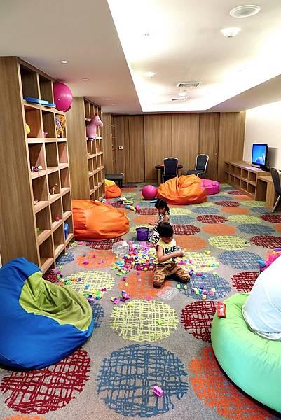 兒童遊戲室 (2).JPG