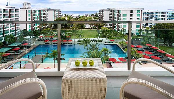 room-poolview-balcony