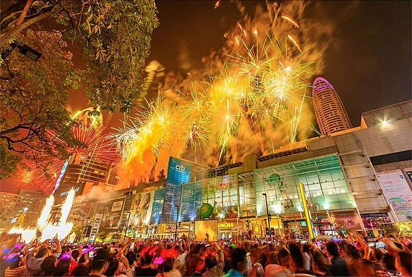 曼谷跨年煙火-2.jpg