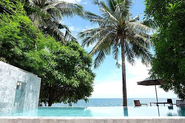 beachfront-poolvilla-03.jpg
