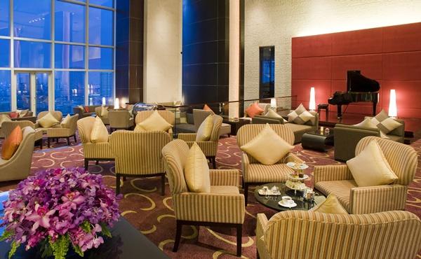 Lobby Lounge001.jpg