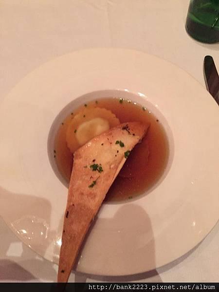 義式干貝餃牛肉清湯