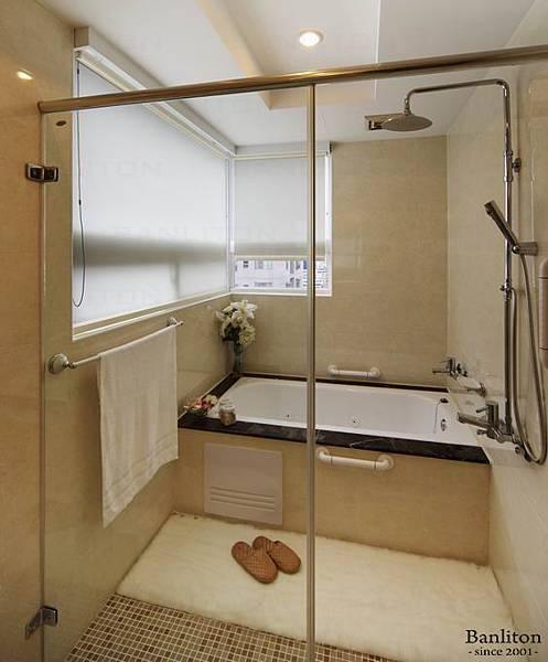 衛浴 001.jpg