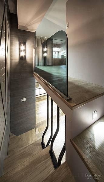 挑高夾層樓梯設計08.jpg