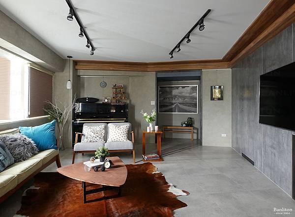 小坪數室內裝潢設計-灰斜美!翻轉狹長型老屋的新價值02.JPG