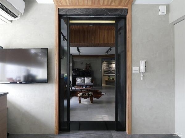 小坪數室內裝潢設計-灰斜美!翻轉狹長型老屋的新價值08.JPG