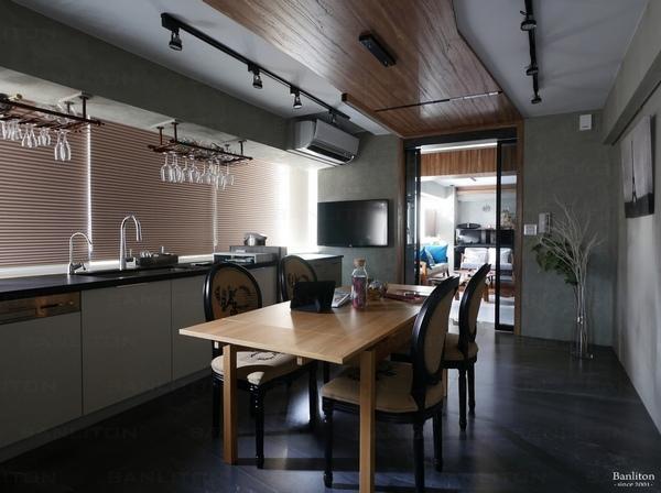 小坪數室內裝潢設計-灰斜美!翻轉狹長型老屋的新價值09.jpg