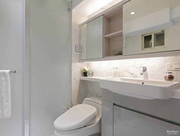 小坪數室內裝潢設計-灰斜美!翻轉狹長型老屋的新價值21.JPG