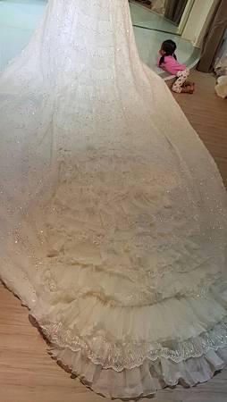 新竹婚紗工作室:挑選禮服