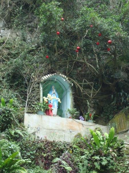 林田山-聖母像