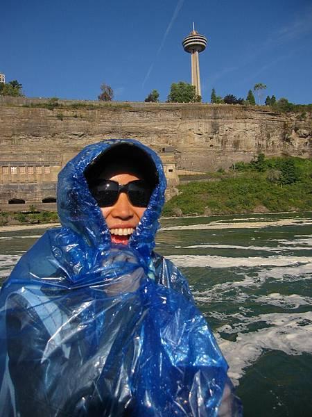 哈哈 這位小姐為了防水變得超像阿桑