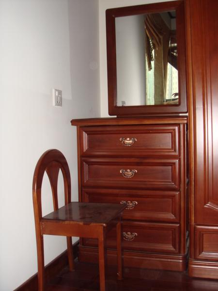 化妝台與四斗櫃