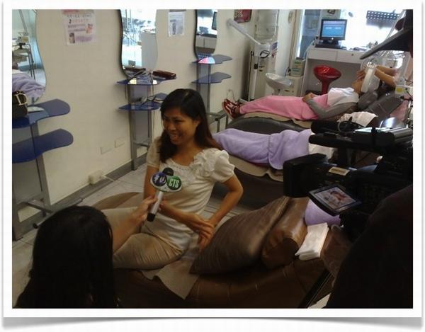 05-記者訪問顧客來芭蕊做臉效果很滿意.jpg