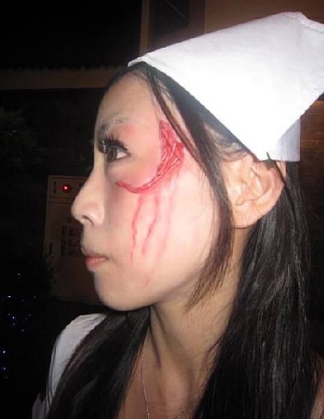 31-恐怖病院鬼護士-圖解說明-4-臉部傷口.jpg