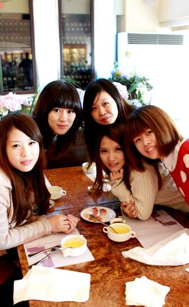 1087-table1_大小 .jpg