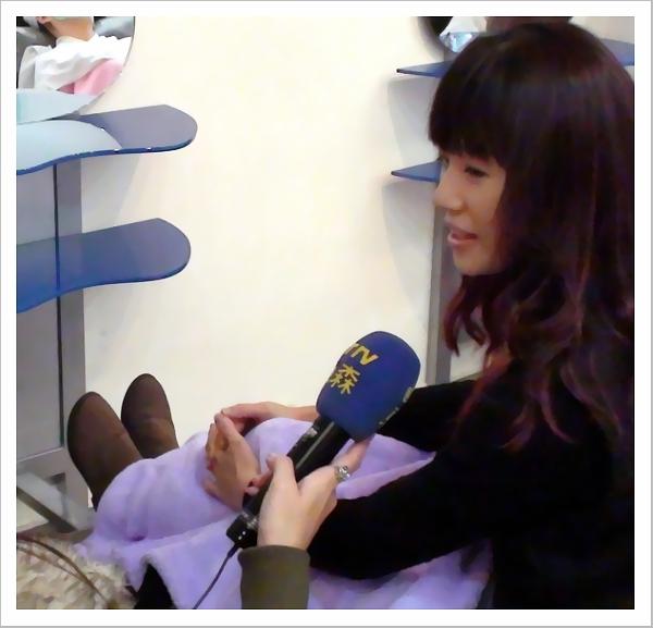 記者採訪客人.JPG