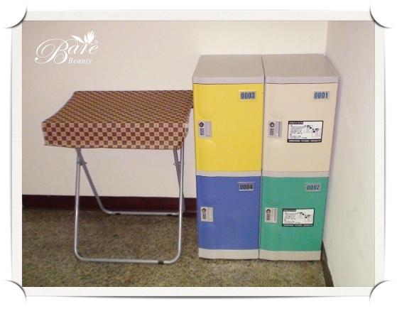 貼心置物櫃讓您心無旁騖享受做臉樂趣.jpg