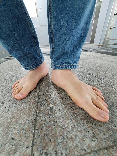 赤腳生活 規律地保持赤腳行走的習慣有助於大腦的記憶力
