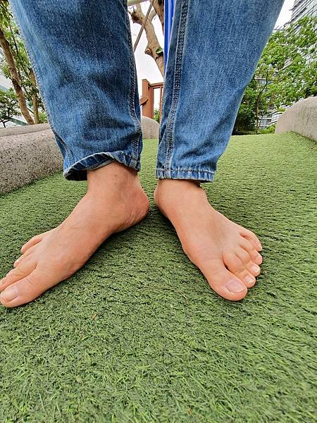 赤腳走路 舒緩壓力