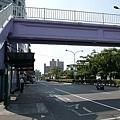 到對面搭802去新埔站轉捷運套台北車站