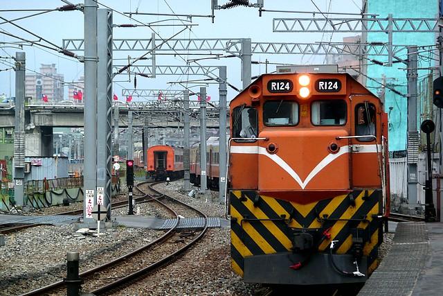 火車的影像‧R124@松山