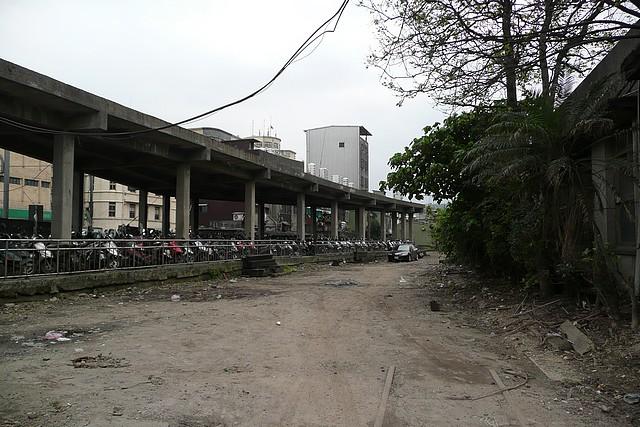 基隆火車站北端三角月台