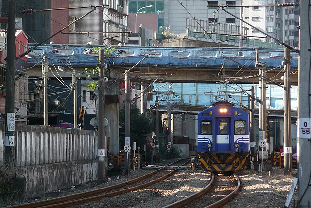 EMU400,三坑站人行道終點