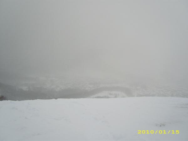 這裡也是北海道三大夜景之一~現在白濛濛的看不到什麼