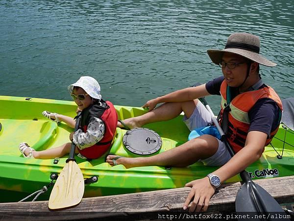 鯉魚潭划獨木舟
