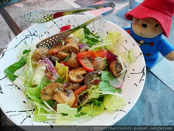 「LUMIERE 美‧食光」餐酒館洋菇溫沙拉