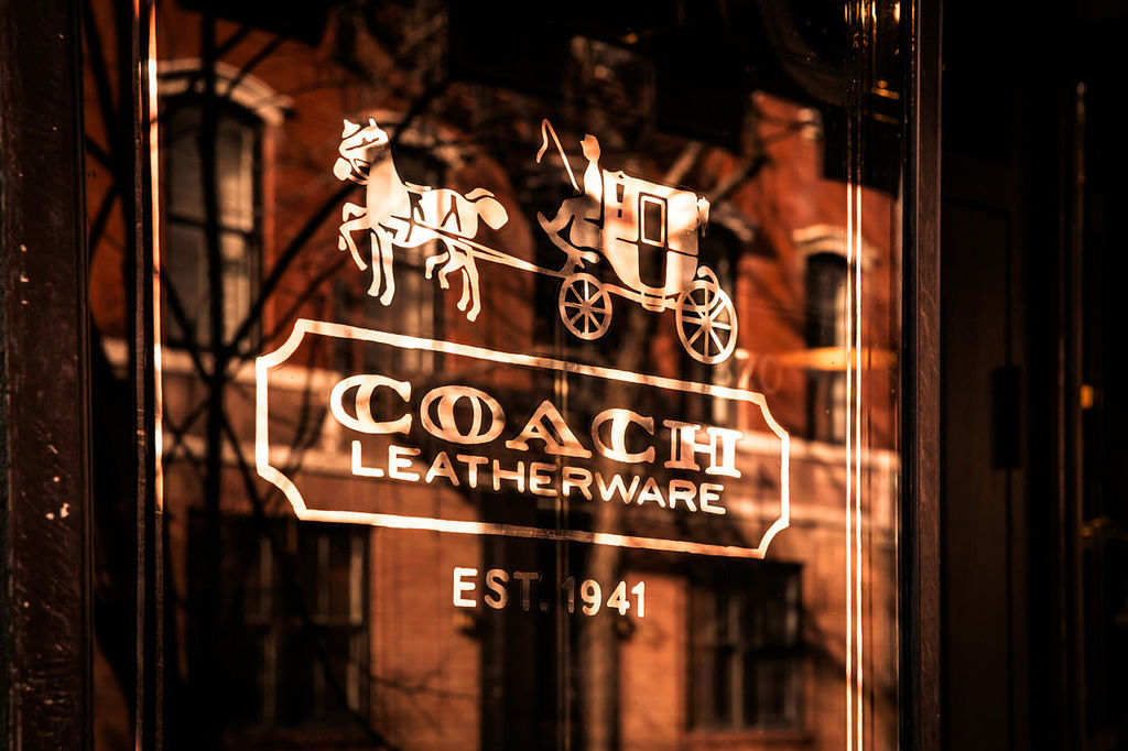 1280px-Coach_Bleecker_Street,_372-374_Bleecker_street,_New_York,_NY_10014,_USA_-_Jan_2013_A