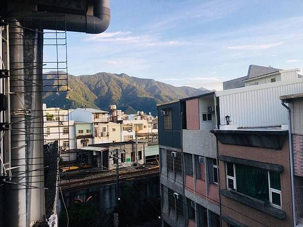 日日的山.jpg