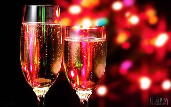 01-christmas-champagne-130905