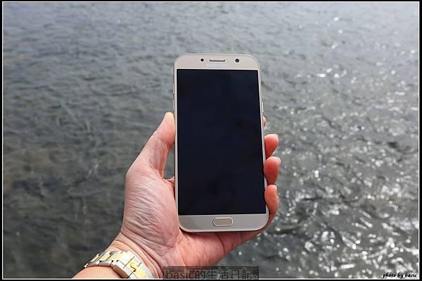 出門在外 , 防水要有 ,IP68防水新機Galaxy A7 2017水秘境評測分享.. - 4