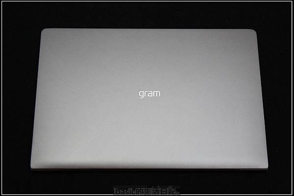 LG gram 14 Z980開箱使用分享(極輕+極長續航力)