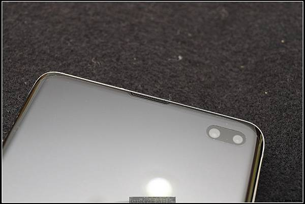 Galaxy S十週年了 , S10+精緻開箱(加上與其它手機比一比外觀) - 20