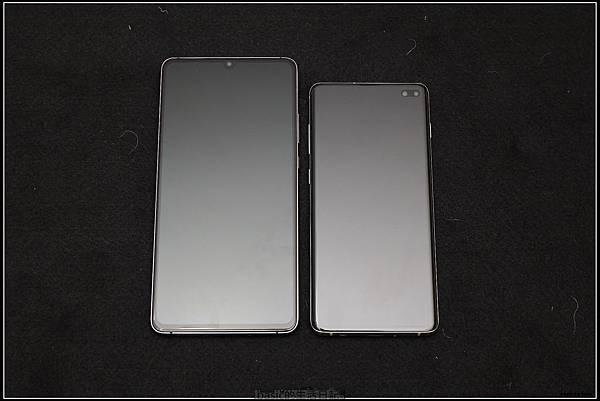 Galaxy S十週年了 , S10+精緻開箱(加上與其它手機比一比外觀) - 28