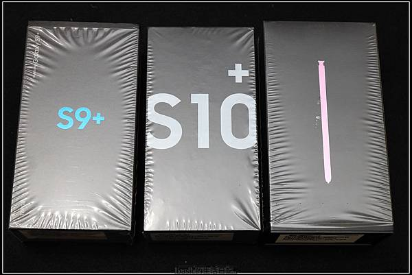 Galaxy S十週年了 , S10+精緻開箱(加上與其它手機比一比外觀) - 31
