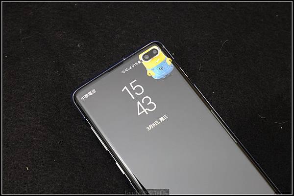 Galaxy S十週年了 , S10+精緻開箱(加上與其它手機比一比外觀) - 25