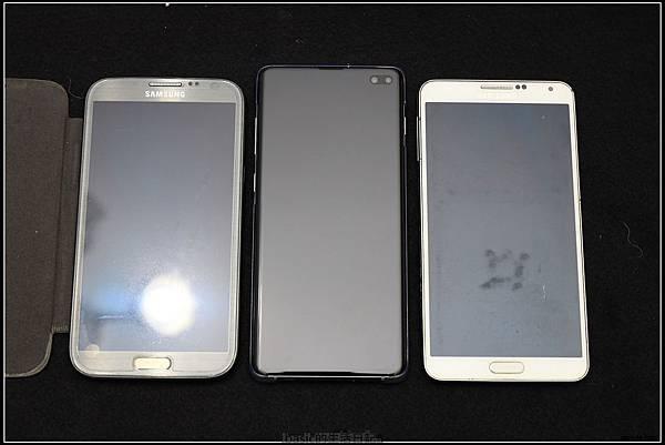 Galaxy S十週年了 , S10+精緻開箱(加上與其它手機比一比外觀) - 32